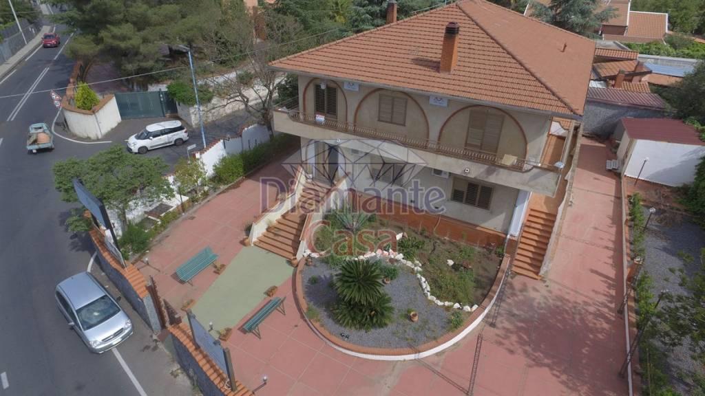 Villa in Vendita a Mascalucia Periferia:  5 locali, 400 mq  - Foto 1
