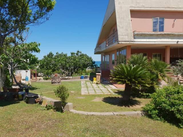 Villa 6 locali in vendita a Termoli (CB)