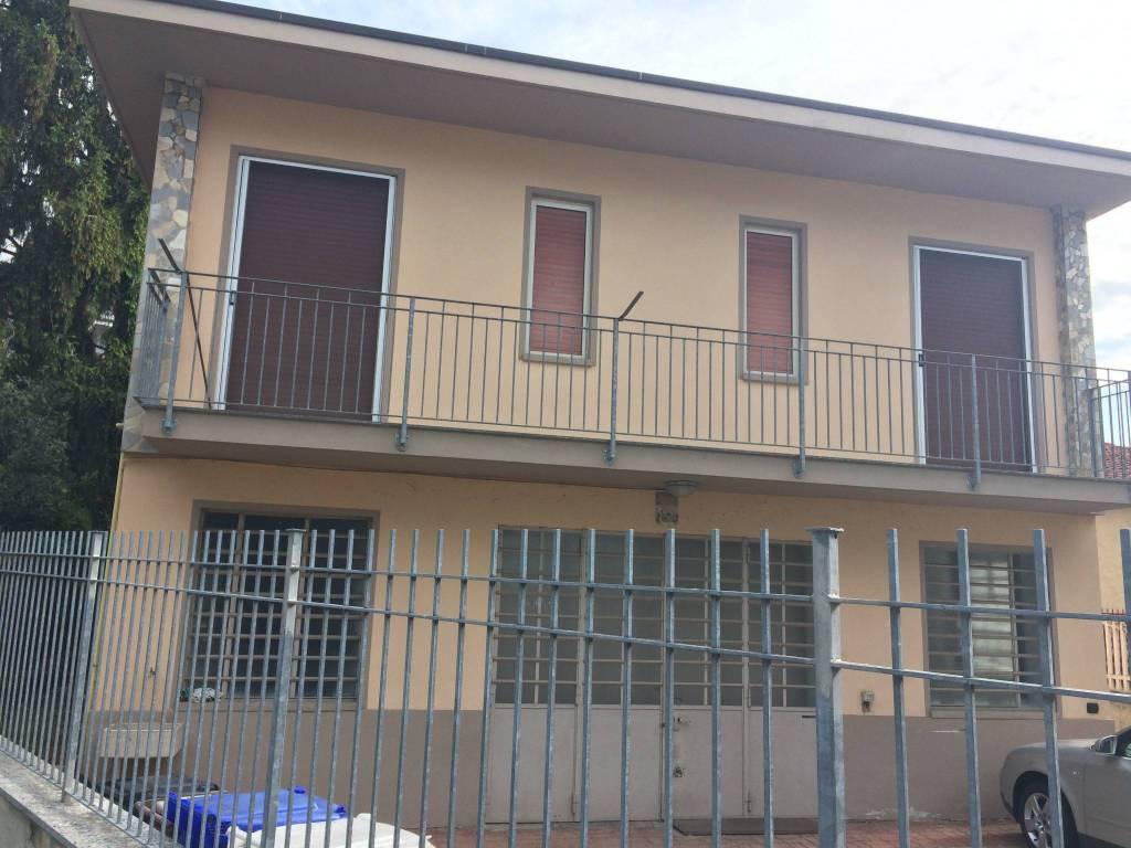Magazzino in affitto a Chieri, 2 locali, prezzo € 400 | CambioCasa.it