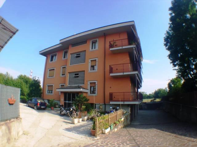 Appartamento in Affitto a Garbagnate Milanese: 2 locali, 40 mq