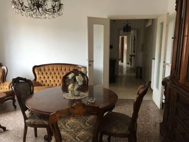 Appartamento quadrilocale in vendita a Rieti (RI)