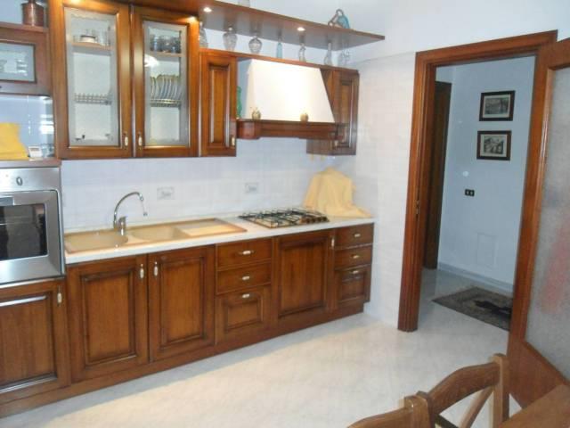 Appartamento in ottime condizioni in vendita Rif. 6577304