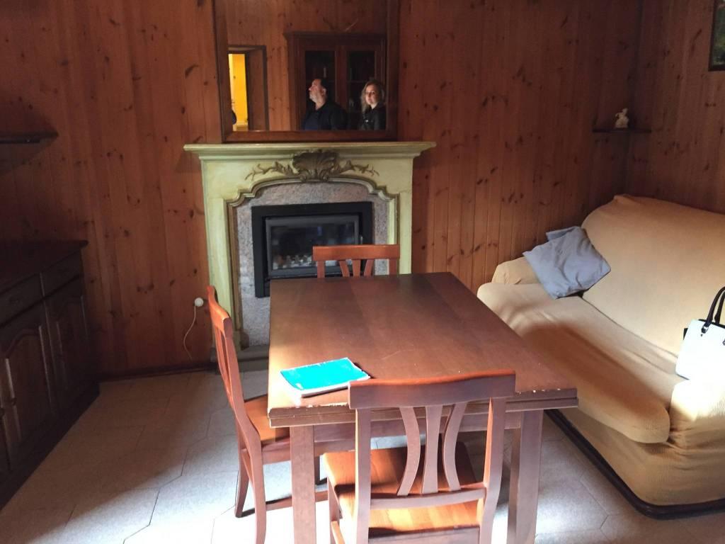 Appartamento in ottime condizioni parzialmente arredato in vendita Rif. 6582366