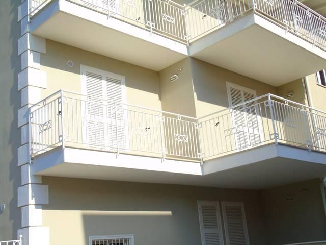 Appartamento in ottime condizioni in vendita Rif. 6577348
