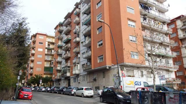 Appartamento in vendita 3 vani 94 mq.  via Terracina 296 Napoli