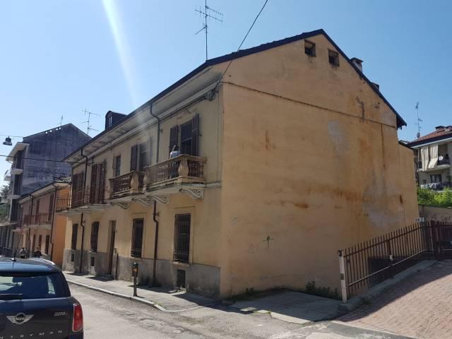 Appartamento in vendita a Moncalieri, 5 locali, prezzo € 80.000 | CambioCasa.it