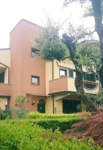 Appartamento in buone condizioni parzialmente arredato in vendita Rif. 6565606