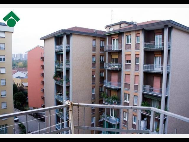 Bilocale Milano Via Luigi Ornato 3