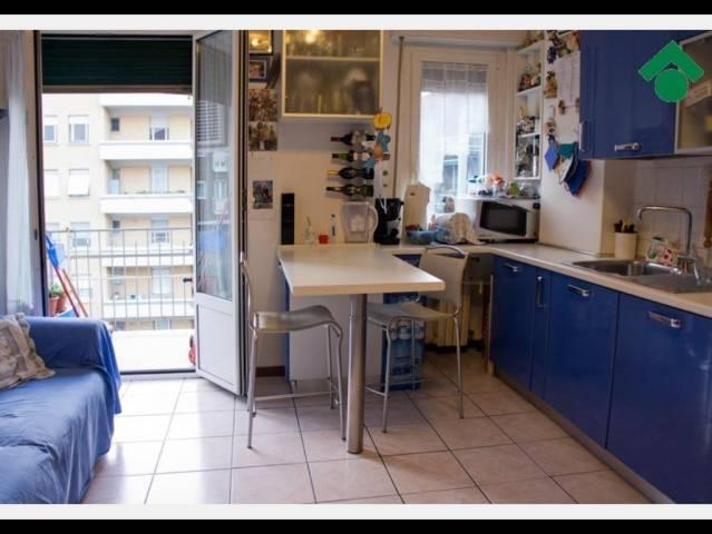 Bilocale Milano Via Luigi Ornato 7