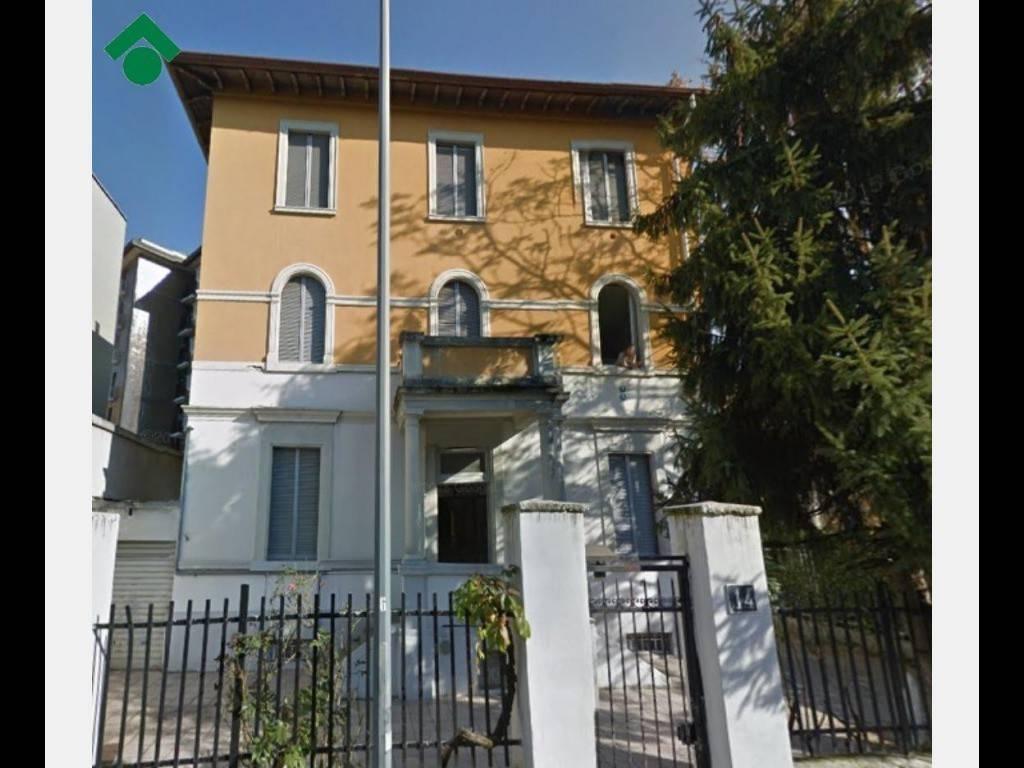 Casa Indipendente da ristrutturare in vendita Rif. 9140865
