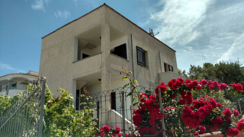 Casa Indipendente in buone condizioni parzialmente arredato in vendita Rif. 8964072