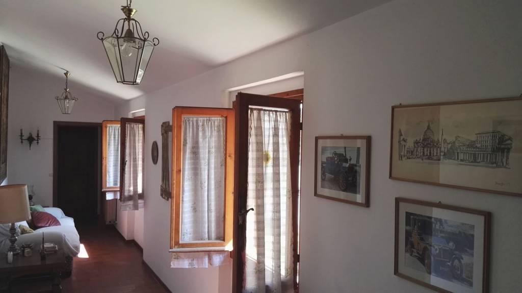 Appartamento da ristrutturare in vendita Rif. 6582434