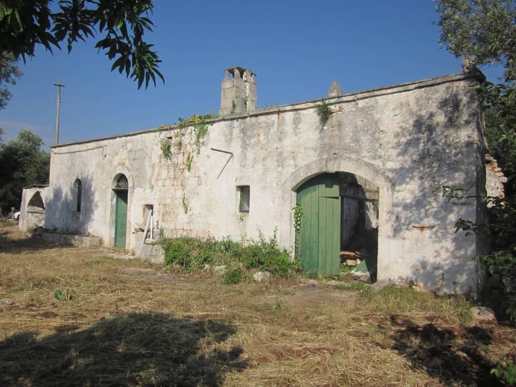 Rustico / Casale da ristrutturare in vendita Rif. 7737449