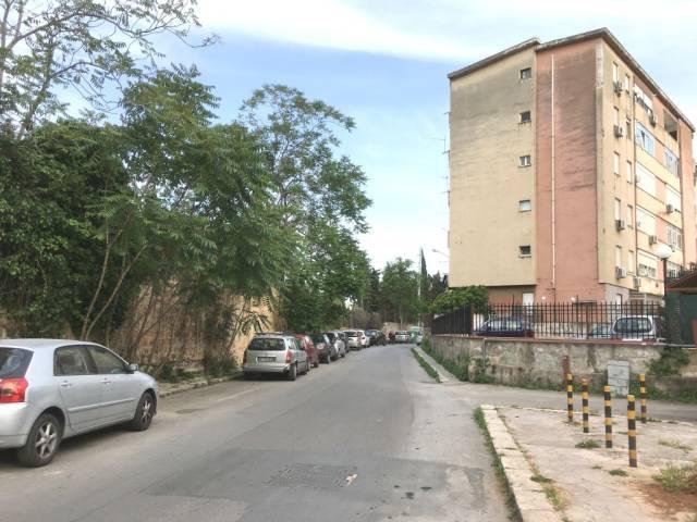 Magazzino in Affitto a Palermo Semicentro: 5 locali, 1350 mq