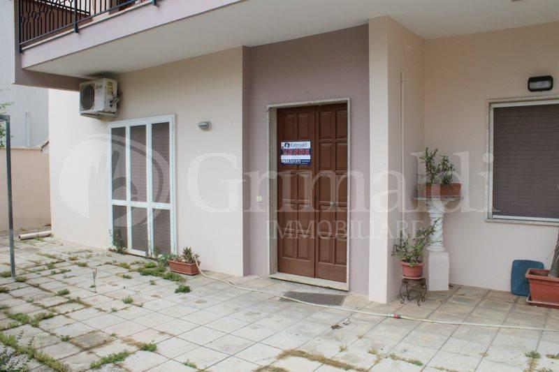 Appartamento in Vendita a Tuglie Centro: 4 locali, 118 mq