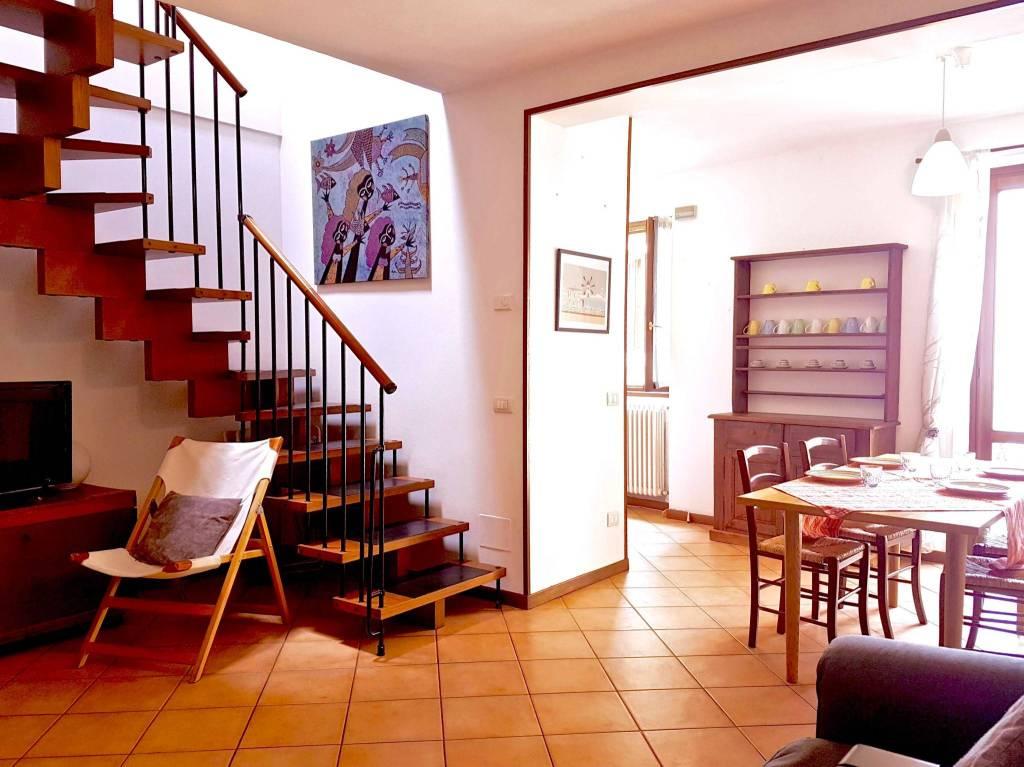 Appartamento in ottime condizioni arredato in affitto Rif. 5023650