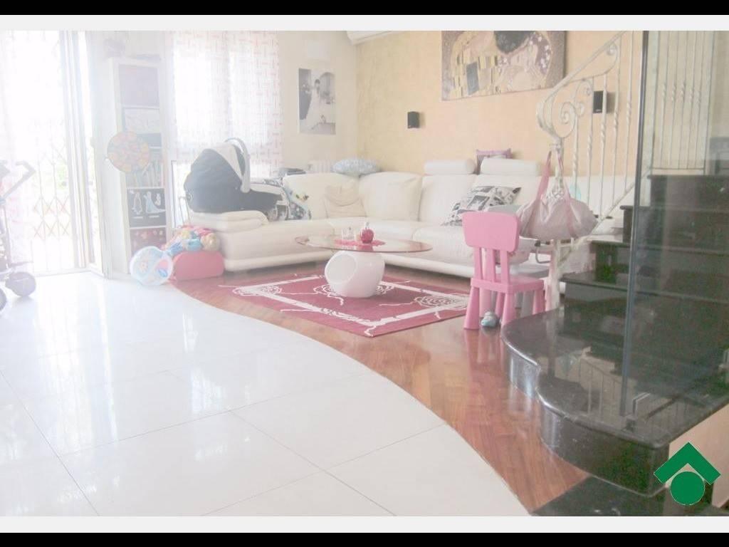 Villetta a schiera in ottime condizioni in vendita Rif. 9154950