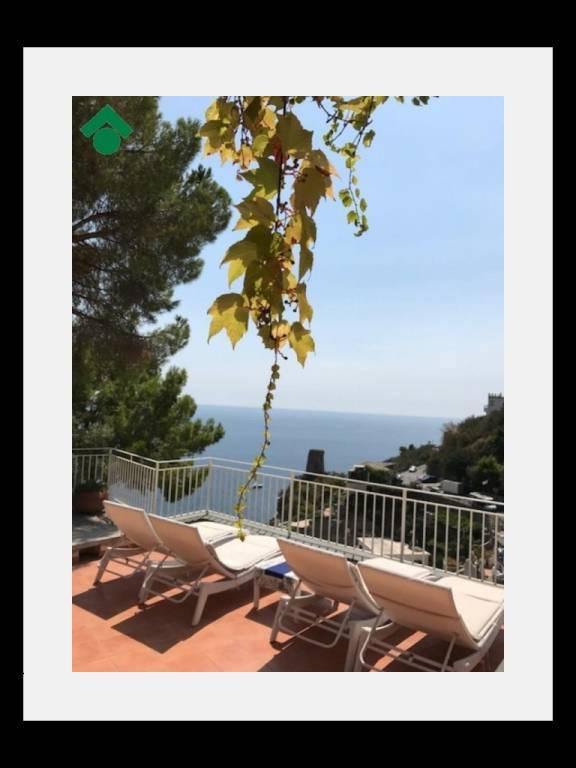 Praiano-splendida casa a due passi dal mare