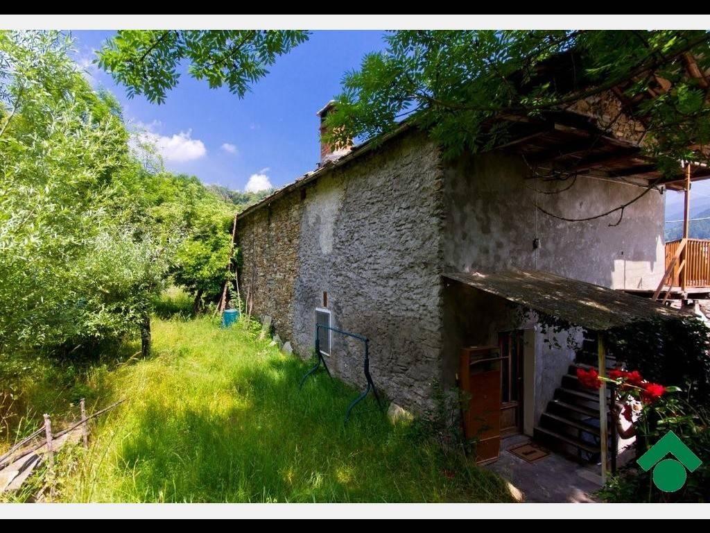 Casa Indipendente in buone condizioni parzialmente arredato in vendita Rif. 9153903