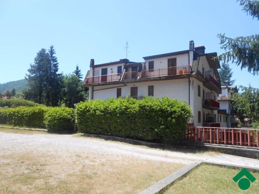 Appartamento in ottime condizioni in vendita Rif. 9154107