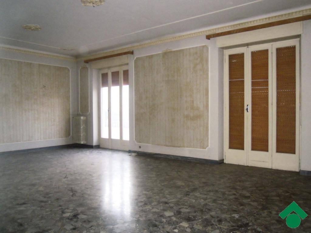 Appartamento da ristrutturare in vendita Rif. 9158578
