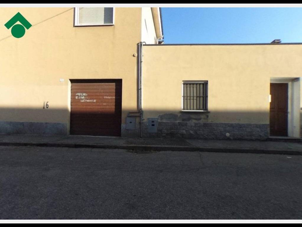 Box e posti auto in buone condizioni in vendita Rif. 9156291