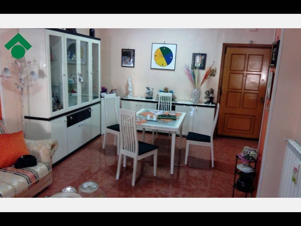 Appartamento in buone condizioni in vendita Rif. 9157760