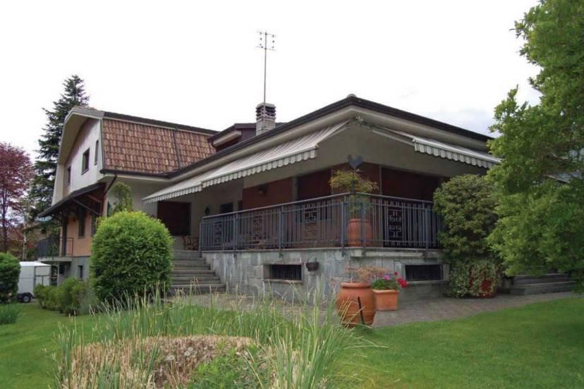 Villa in vendita a Condove, 14 locali, prezzo € 250.000 | PortaleAgenzieImmobiliari.it