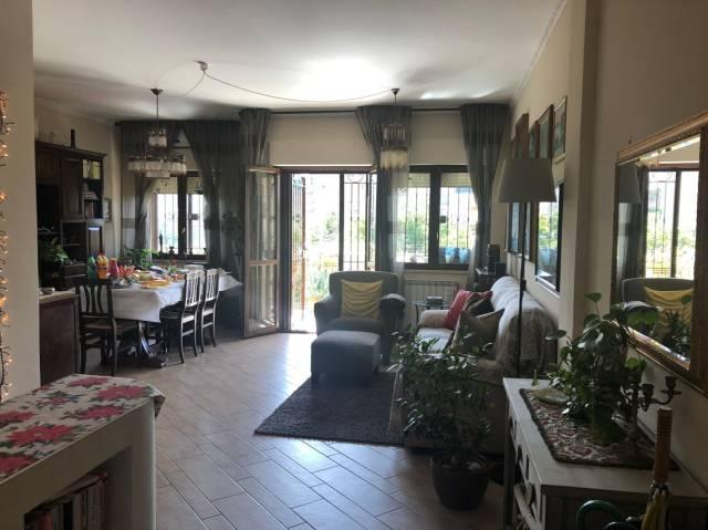 Appartamento in buone condizioni parzialmente arredato in vendita Rif. 6602497