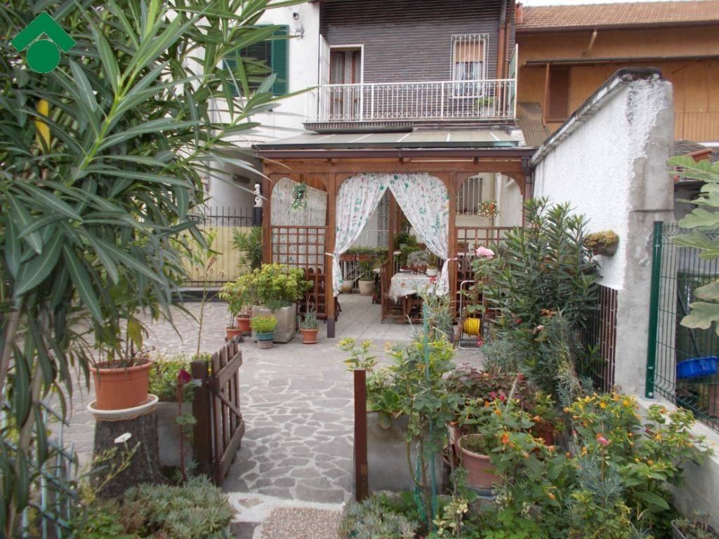 Casa Indipendente in buone condizioni in vendita Rif. 9163102
