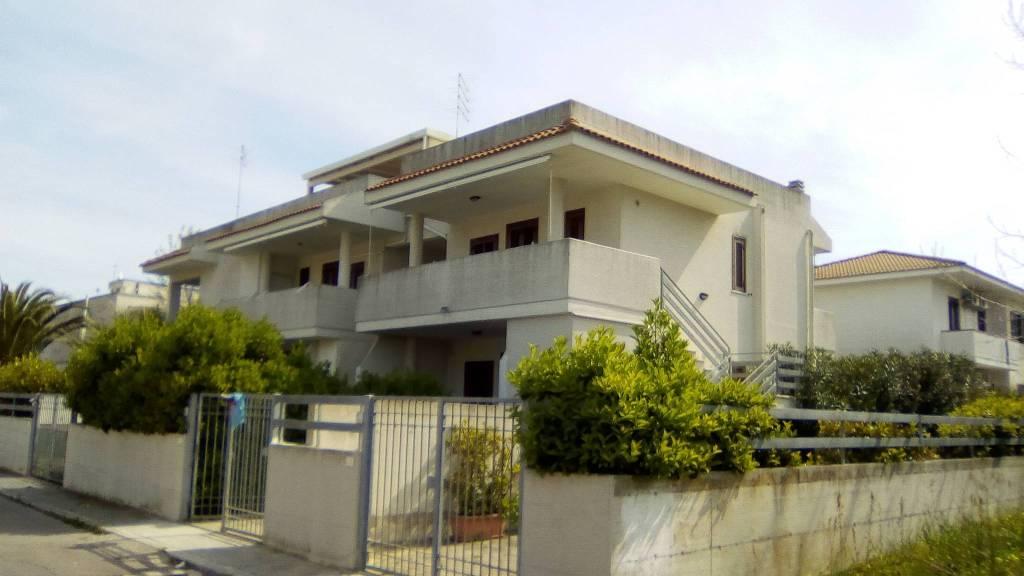 Villetta in Vendita a Ginosa Semicentro: 3 locali, 78 mq