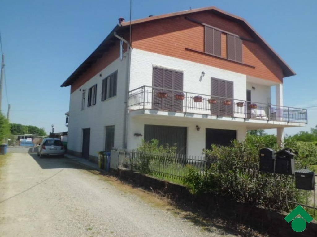 Appartamento in ottime condizioni in vendita Rif. 9163527