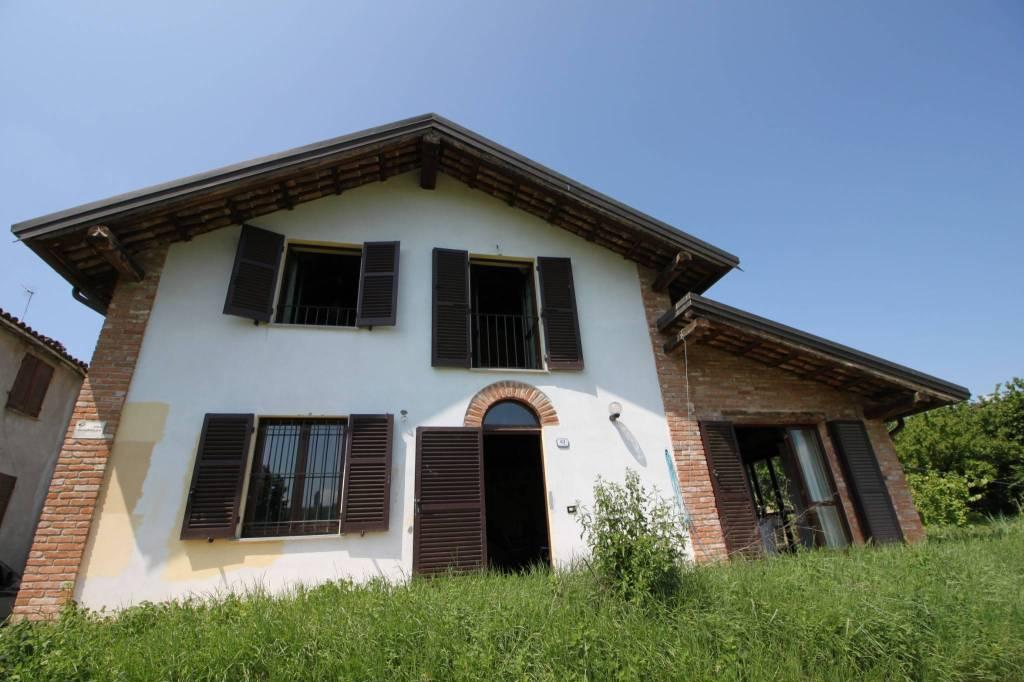 Foto 1 di Villa Regione Santa Libera 63, Canelli