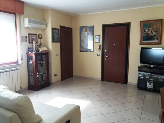 Appartamento in buone condizioni parzialmente arredato in vendita Rif. 6598808
