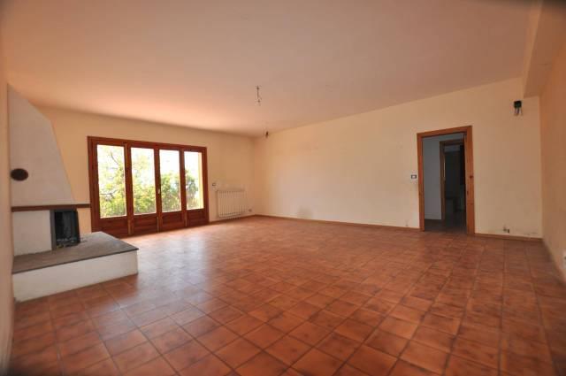 Appartamento in buone condizioni in vendita Rif. 5563101