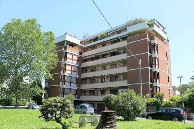 Appartamento in buone condizioni in vendita Rif. 6594982
