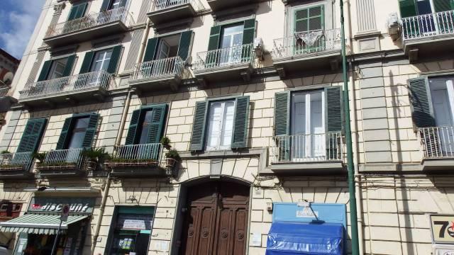 Appartamento in vendita 4 vani 106 mq.  corso Vittorio Emanuele Napoli