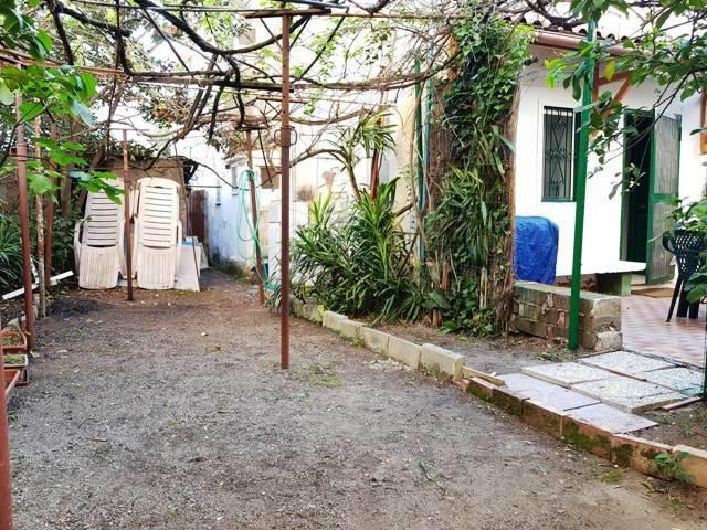 Monolocale Indipendente con Giardino - Scauri Centro