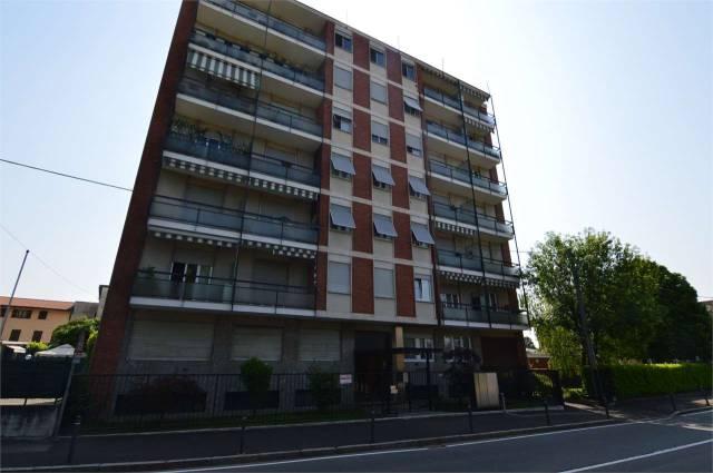Appartamento in buone condizioni in vendita Rif. 6609367