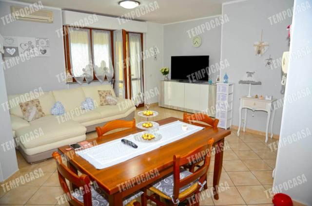 Appartamento in buone condizioni in vendita Rif. 6565590