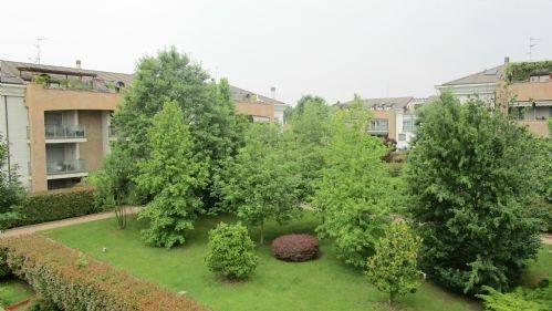 Appartamento in ottime condizioni parzialmente arredato in affitto Rif. 6611279