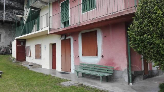 Appartamento in buone condizioni in vendita Rif. 6923111