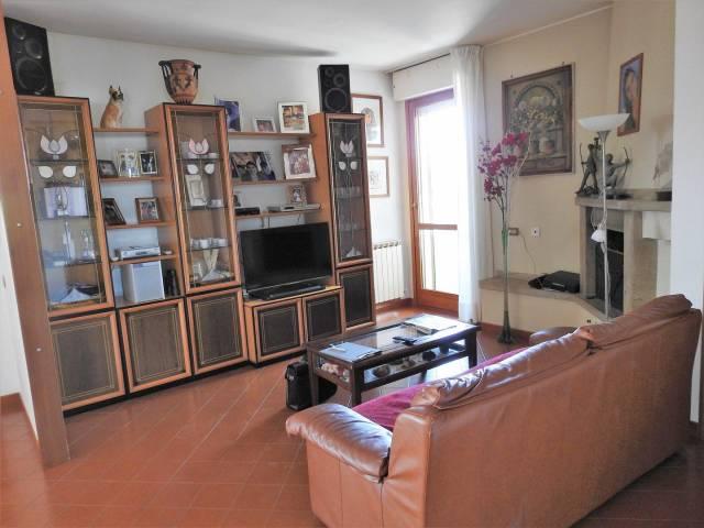 Appartamento quadrilocale in vendita a Follonica (GR)