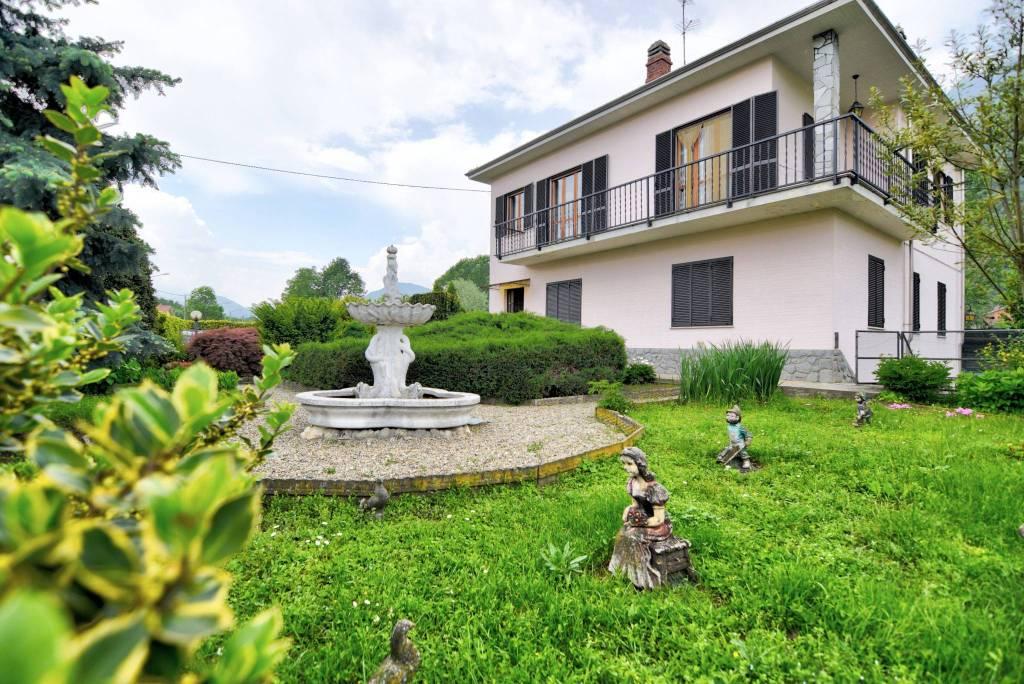 Villa in buone condizioni in vendita Rif. 6608622
