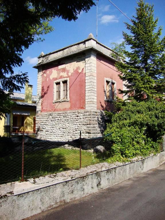 Villa 6 locali in vendita a Erbezzo (VR)