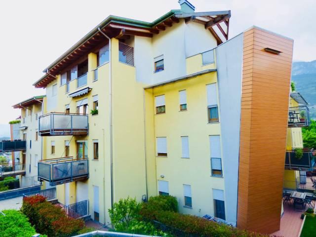 Appartamento in ottime condizioni arredato in vendita Rif. 6616349