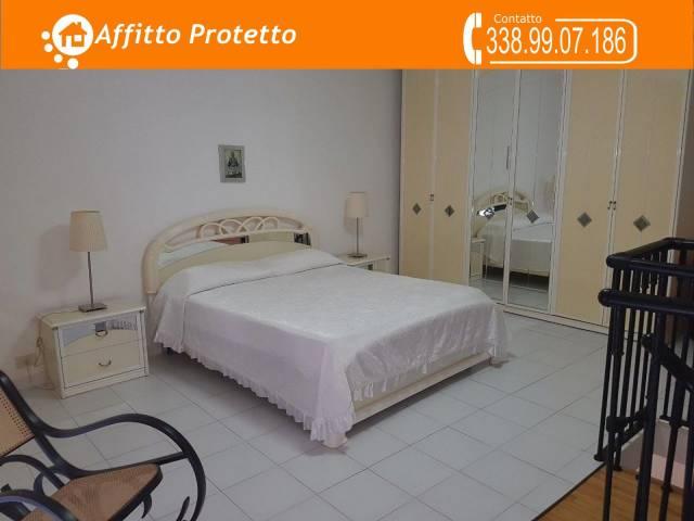 Appartamento in buone condizioni arredato in affitto Rif. 6626281