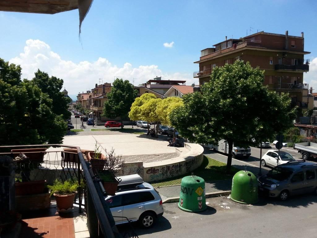 Appartamento in vendita a Guidonia Montecelio, 4 locali, prezzo € 103.000 | CambioCasa.it