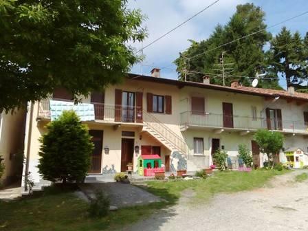 Appartamento in buone condizioni arredato in vendita Rif. 6623985