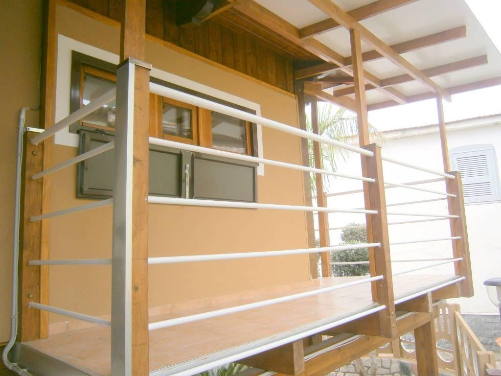 Appartamento in ottime condizioni arredato in affitto Rif. 8549684